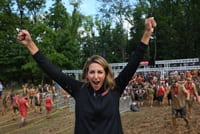 Olympic Gold Medalist, Summer Sanders participated in the Guinness Shower attempt.